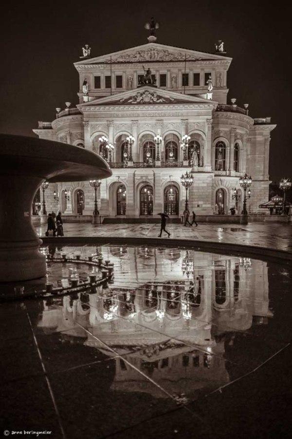 Alte Oper im Regen