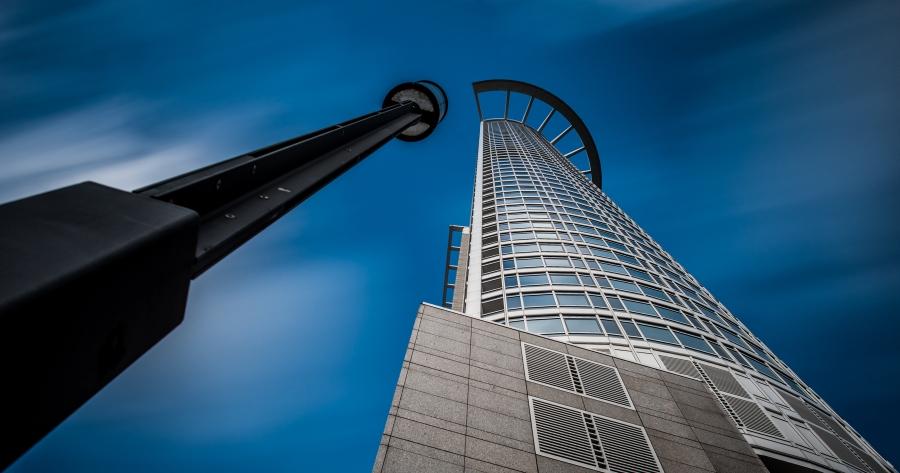 Hoch hinaus / Westend Tower mit Lampe